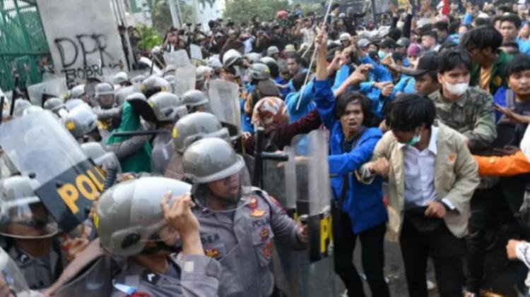Imparsial soal Polisi Banting Mahasiswa yang Demo: Bukan Hal Baru
